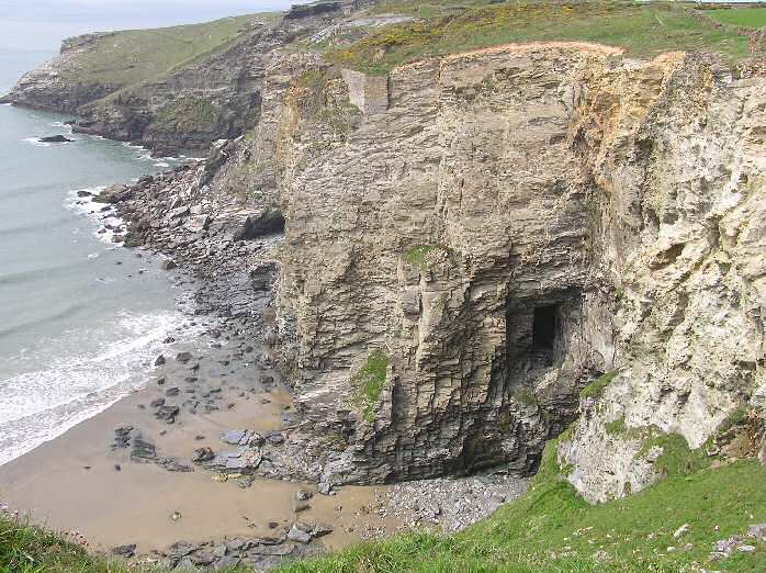 Hole Beach to Penhallic Point